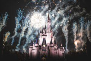 【2019年~2020年】ディズニーの年越しカウントダウンパスポートが手に入るツアー・ホテル予約を一挙公開!
